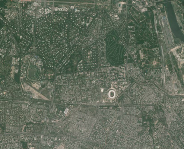 Delhi's colonial planning (hexagonal street patterns, upper right) vs. reality (everywhere else)